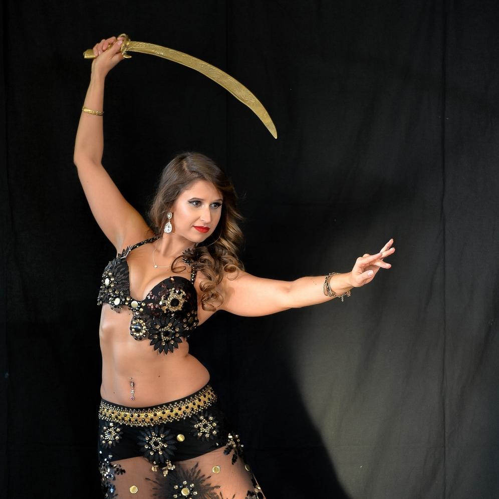 Danse orientale et sabre